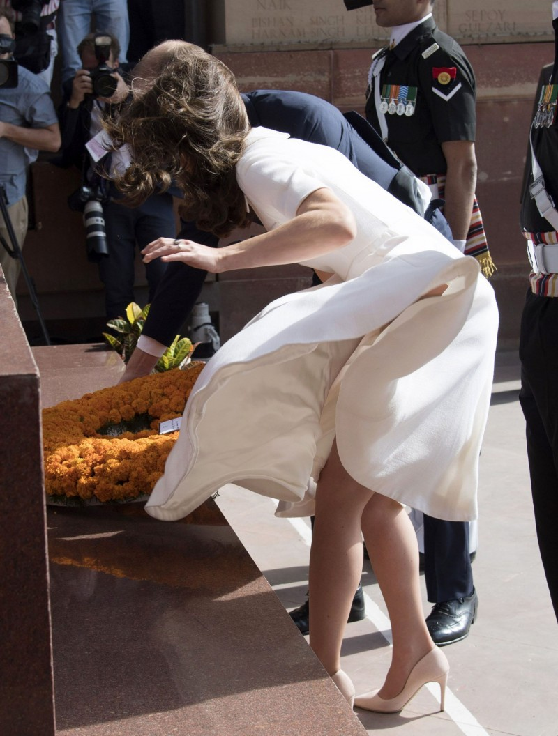 NEW DELHI, INDIA - APRIL 11:  Catherine, Duchess of Cambridge visits the war memorial India Gate to lay a wreath on April 11, 2016 in New Delhi, India.  (Photo by UK Press Pool/Getty Images)